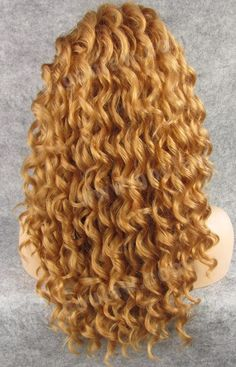 I know its a wig, but those curls are sooo pretty! :)