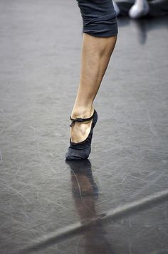 Alonzo King Lines Ballet: Dance rehearsal by Edinburgh International Festival