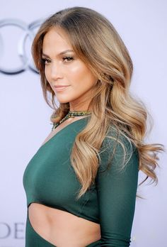 Jennifer Lopez - light brown/blonde