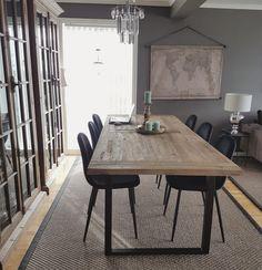Elska det rustikke spisebordet mitt 🌵 Et bord du slipper å være redd for 🙌 Work Surface, Modern Kitchen Design, Dining Table, Furniture, Home Decor, Dinning Table, Home Furnishings, Dining Rooms, Home Interior Design