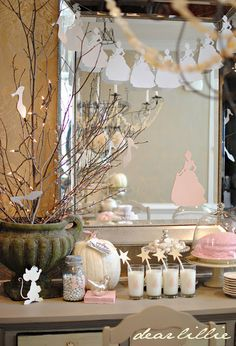 Some cute ideas for decor here ...