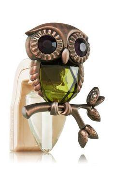 Owl - Autumn Wallflowers Fragrance Set - Slatkin Co. - Bath Body Works, I want it! Crazy Owl, Owl Crafts, Owl Jewelry, Owl Art, Cute Owl, Bath And Body Works, It Works, Perfume Bottles, Fragrance