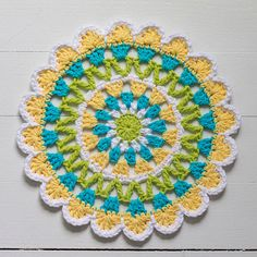 Signed With an Owl: Abstract Flower Motif No. 8 - free crochet pattern by Kate Jenks. Crochet Mandala Pattern, Crochet Circles, Doily Patterns, Crochet Squares, Crochet Patterns, Granny Squares, Crochet Home, Crochet Crafts, Crochet Projects
