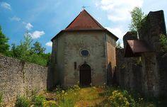 Zu den religiös und kulturhistorisch bedeutenden Stätten des Saarlandes,  ...  zählt der Wallfahrtsort Gräfinthal. Es ist ein Benediktinerkonvent, der aus einem untergegangenen Wilhelmitenkloster entstand, sowie ein regionaler Marienwallfahrtsort und immer einen Besuch wert. :-) http://de.wikipedia.org/wiki/Kloster_Gräfinthal
