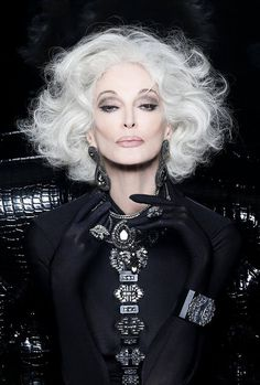 Outfits ideas & inspiration : Look great with our hair proposals for mature women! On this occasion I want to share with our dear readers some ideas of haircuts for mature women, Carmen Dell'orefice, Older Models, Advanced Style, Ageless Beauty, Glamour, Aging Gracefully, Grey Hair, White Hair, Short Hair Styles