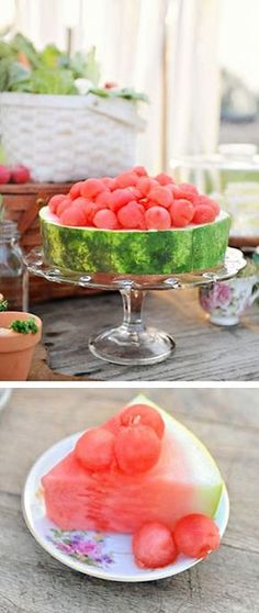 Eat with your eyes! Cut 2 thick slices of a whole watermelon and use as a flat cake. With a melon-baller make balls and stack on top to decorate. Summer fruit, simple and delicious. Raw Food Recipes, Cooking Recipes, Gourmet Foods, Detox Recipes, Good Food, Yummy Food, Snacks Für Party, Creative Food, Food Presentation