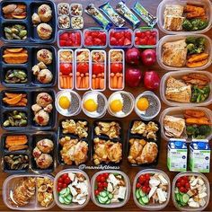 Huge inspiration with this meal prep by to close out the week and take us into the weekend. - Is next week the week you get closer to your body goals? Start planning it out now with (Baking Eggs Meal Prep) Healthy Meal Prep, Healthy Snacks, Healthy Eating, Healthy Recipes, Healthy Life, Keto Recipes, Stop Eating, Clean Eating, Eating Well