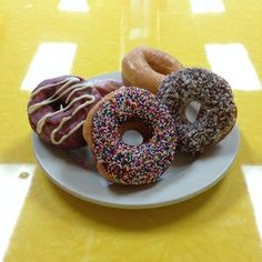 Mr. Ronnie's Famous Hot Donuts, a Houma-based 24/7-donut chain, is now open in Baton Rouge!