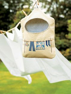 This Peg Bag DIY Sewing Project makes a great homemade gift idea for mom
