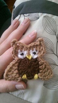 Austin The Owl - free crochet applique pattern by Erin Stratidakis.