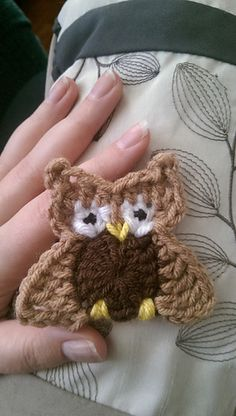 Austin The Owl - free crochet applique pattern by Erin Stratidakis.