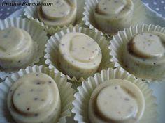 Praliné Paradicsom: A jogász torta pralinévá lényegülése Mini Cupcakes, Truffles, Muffin, Breakfast, Food, Candy, Morning Coffee, Essen, Truffle