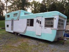 Vintage Campers Trailers, Retro Campers, Vintage Caravans, Trailers For Sale, Camper Trailers, Classic Trailers, Classic Campers, Small Campers, Vintage Motorhome