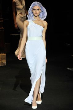 Chalayan Spring 2010 Ready-to-Wear Fashion Show Collection
