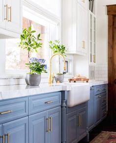 Bom dia sempre bem vinda uma cozinha clara e super fresca no colorido que a gente mais adora viver ☕️ #GoodMorning
