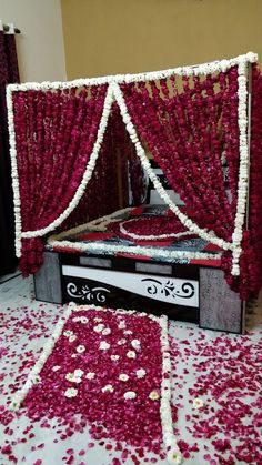 Wedding Night Room Decorations, Romantic Room Decoration, Flowers Decoration, Wedding Bed, Wedding Mandap, Wedding Sutra, Wedding Ideas, Flower Garland Wedding, Flower Garlands