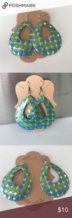 Nwot lightweight earrings lightweight earrings made out at the light metal brand new never worn earrings Jewelry Earrings