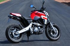 Yamaha MT-03 with tail in color...