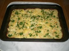 Kuracinka zapekaná so zemiakmi Mashed Potatoes, Cooking Recipes, Meat, Chicken, Ethnic Recipes, Food, Whipped Potatoes, Smash Potatoes, Chef Recipes