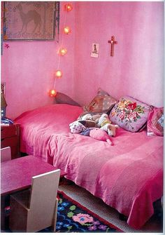 Moon to Moon: Bohemian Bedroom: Adding a splash of colour...