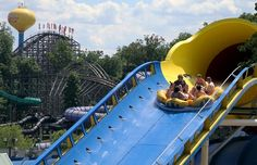 Win a family getaway at Holiday World & Splashin' Safari with free admission to both parks plus overnights at Lake Rudolph Campground & RV Resort. Parc A Theme, Water Playground, Holiday World, Wisconsin Dells, Smoky Mountain National Park, Rafting, Travel Usa, Safari, Vacation