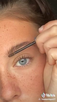 Makeup Looks Tutorial, Makeup Tutorial For Beginners, Make Up Beginners, Beginner Makeup, Skin Makeup, Eyeshadow Makeup, Makeup Eyebrows, Glam Makeup, Eyeshadows