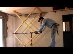 Crea un elevador artesanal para elevar objetos pesados y trabajar comodamente – Manos a la Obra Wood Tools, Diy Tools, Woodworking Jigs, Carpentry, Drywall Lift, Garage Workshop Organization, Wooden Gears, Carpenter Tools, Tool Storage