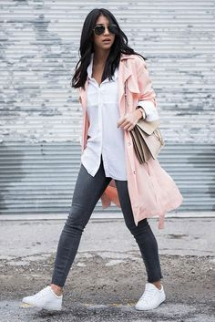 spring / summer - fall / winter - spring fashion - fall fashion - spring outfits - fall outfits - street style - street chic style - casual outfits - comfy outfits - athleisure - blush trench coat, light pink trench coat, white shirt, dark grey skinny jeans, white sneakers, nude shoulder bag, aviator sunglasses