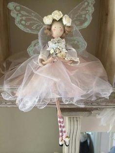 Christmas Fairy, Christmas Angels, Fairy Crafts, Christmas Crafts, Clothespin Dolls, Flower Fairies, Angel Ornaments, Fairy Dolls, Felt Dolls