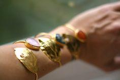 Pulsera Hoja P➡www.casildafinatmc.com #pulseras #bracellet #goldplated #bañadoenoro #jewel #jewelry #jewellery #fashion #invitdaperfecta #joyitas #noseponenfeas