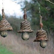 Mejsehatte Basket Willow, Willow Wood, Willow Weaving, Basket Weaving, Garden Crafts, Garden Art, Willow Sticks, Willow Garden, Newspaper Crafts
