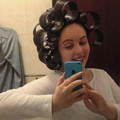insta Sleep In Hair Rollers, Hair Curlers Rollers, Office Hairstyles, Wig Hairstyles, Hair Curler Wand, Cap Highlights, Wet Set, Bald Women, Bobe