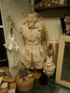 a pretty dress form....