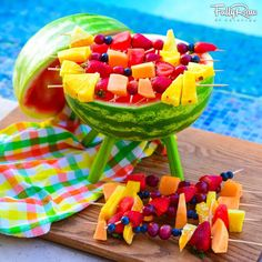 My FullyRaw Watermelon Grill! ☺ While many others were barbecuing, this is how my family celebrates in the Summer. Raw Vegan Recipes, Healthy Recipes, Meatless Recipes, Vegan Meals, Healthy Cooking, Healthy Eating, July 4th Holiday, Cute Snacks, Dessert Aux Fruits