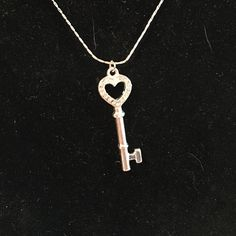 Key to your heart necklace Silver. Like new Jewelry Necklaces