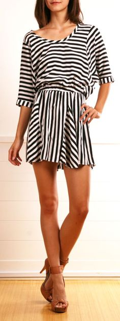 Black & White Striped for summer clothes style waterfalls summer outfits outfits Looks Chic, Looks Style, Style Me, Passion For Fashion, Love Fashion, Womens Fashion, Fashion News, Fashion Shoes, Girl Fashion