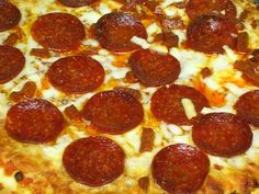How to Make Pizza In a Convection Oven