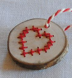 Houten sleutelhanger met *hartje* - Swartbessie - Sleutelhangers