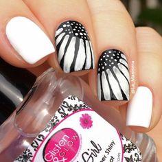 Black and white flower nail art by La_Manisera. Acrylic paint over polish.