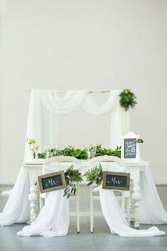 Greenery Wedding Couples Table Detail - Tom Wang Photography