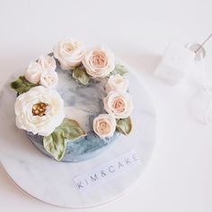 Only Roses and leaves are enough#bakingclass#buttercream#cake#baking#수제케이크#weddingcake#버터크림케이크#꽃#flowers#buttercake#플라워케이크#wedding#버터크림플라워케이크#specialcake#birthdaycake#flower#장미#rose#디저트#케이크#cupcake#dessert#food#beautiful#부케#bouquet#instacake#꽃스타그램#flowercake#peony @yoon2222222
