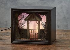 Model Maker Builds Creepy Miniature Scenes Featured Within Shadow Box Dioramas – Artsupplies Illustrator, The Art Of Storytelling, Vitrine Miniature, Creative Architecture, Shadow Box Art, Model Maker, Miniature Crafts, Creative Art, Home Art