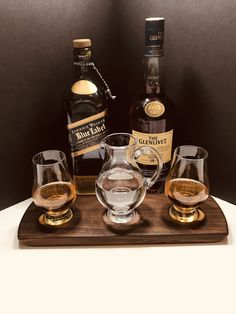 Whisky Whiskey Bourbon Scotch Tasting Flight - Solid Walnut Serving Tray 2 Glencairn Glasses & Water Pitcher Jug - Can Be Personalized Bourbon Whiskey, Scotch Whisky, Whiskey Drinks, Irish Whiskey, Best Gifts For Men, Gifts For Dad, Unique Gifts, Whisky Tasting, Whisky Club
