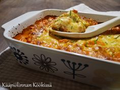 Kääpiölinnan köökissä: Ihana, helppo broileri-pastavuoka No Salt Recipes, Rice Recipes, Cooking Recipes, Healthy Recipes, Tasty, Yummy Food, Sweet And Salty, Food For Thought, Macaroni And Cheese