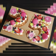 Cookie cake with macaroons on top. Cupcake Cake Designs, Cupcake Cakes, Cupcakes, Cookies Et Biscuits, Cake Cookies, Beautiful Cakes, Amazing Cakes, Alphabet Cake, Fruit Birthday Cake