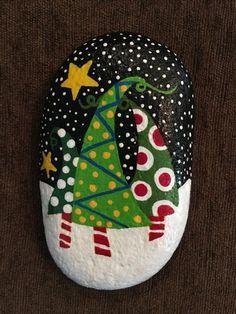 tannenbaum steine bemalen weihnachtsdeko selber machen