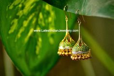 Stylish Diamond Emerald Jhumkis
