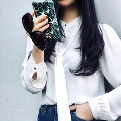 Super cool @gracedwithstyle with our 'Monstera jungle' case! Shop your own through link in bio ✨#idealofsweden #monsterajungle