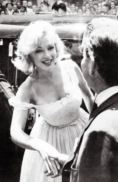 Marilyn Monroe at the opening of the Time-Life Building, 1957.