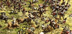 On a miniature battlefield soldiers die also and get wounded. For a realistic scene you have to make your wounded and dead. Military Figures, Soldiers, Scale, Miniatures, Hand Painted, Make It Yourself, Painting, Weighing Scale, Painting Art